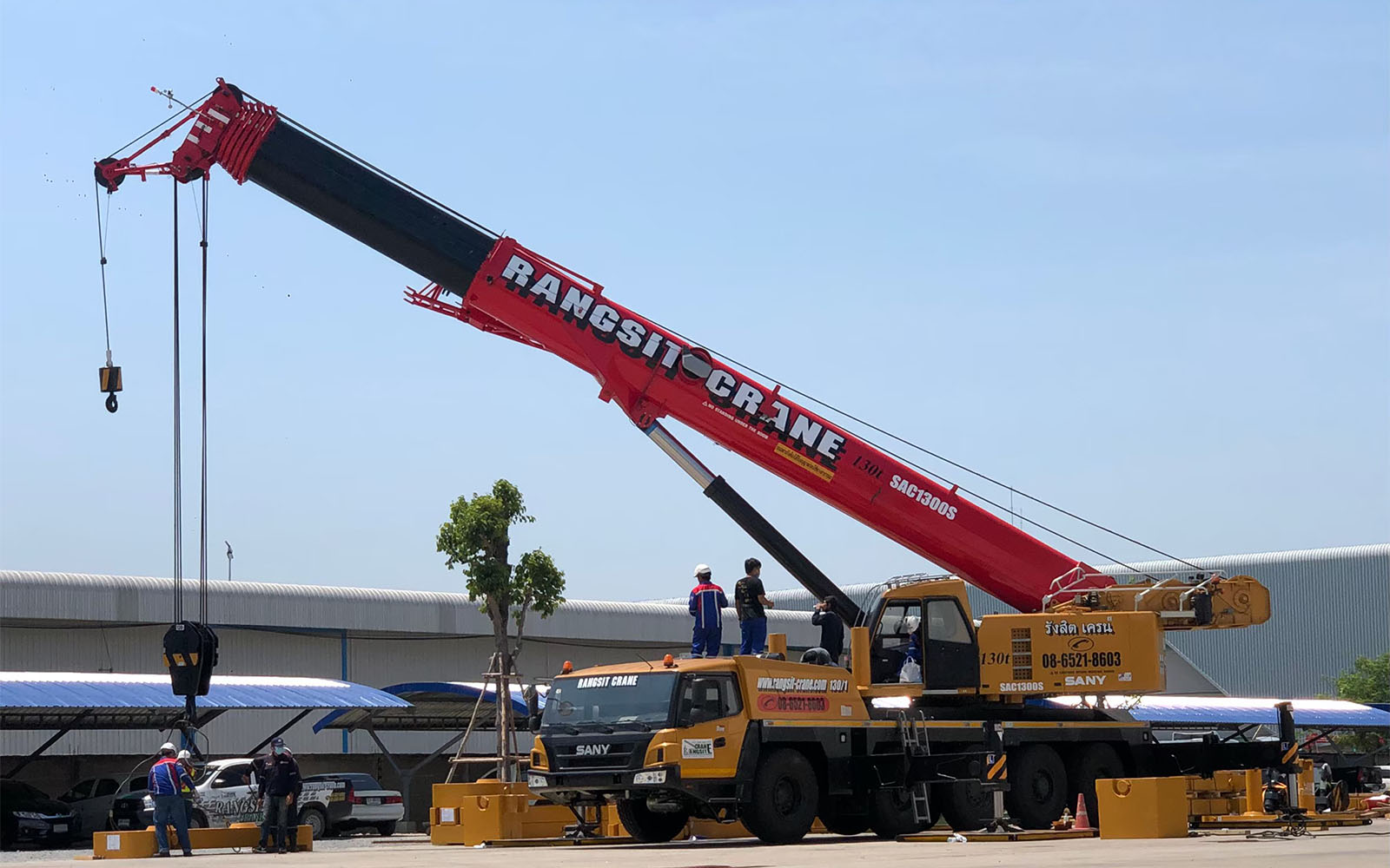 รถทรัคเครน (Truck Crane)